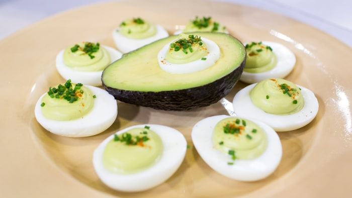 Al Roker and his daughter Courtney make avocado deviled eggs