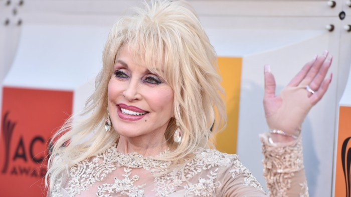 Dolly Parton, husband Carl Dean plan to 'get married again' for 50th ...