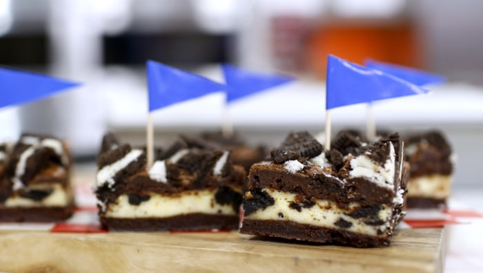Oreo Cheesecake Bars by Elise Strachan