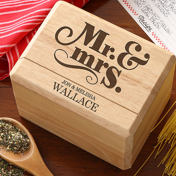 11 personalized wedding gifts newlyweds will love forever for When do you register for wedding gifts