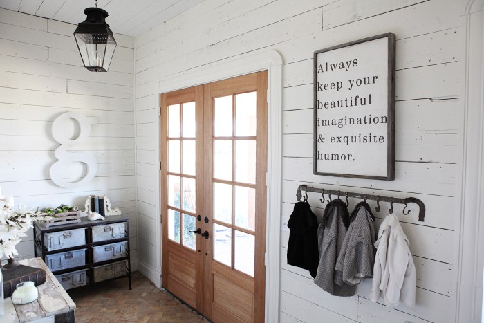Chip and joanna gaines 39 fixer upper 39 home tour in waco for Do chip and joanna own the houses they show