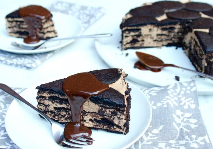 5-Ingredient No Bake Chocolate Coffee Icebox Cheesecake
