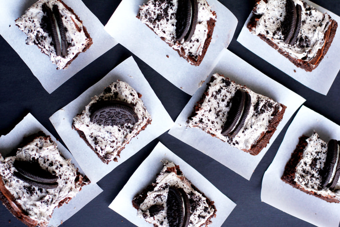 Cookies and Cream Gooey Cake