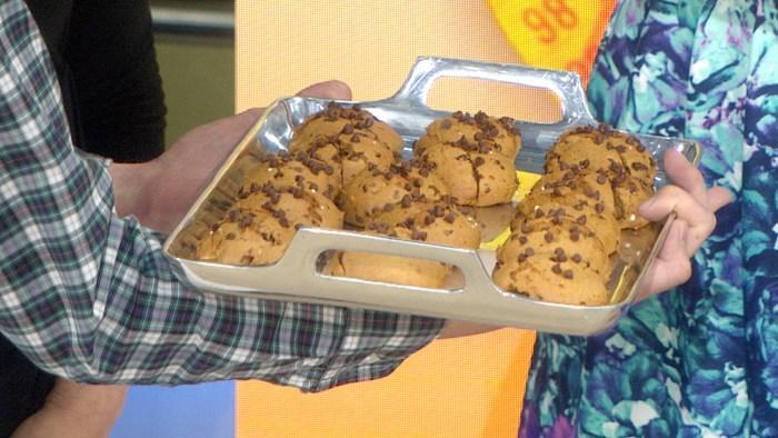 Super Easy Pumpkin Chocolate Chip Cookies