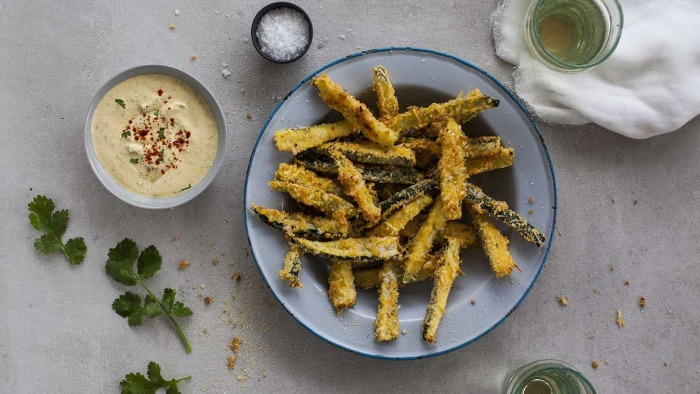 25-Minute Baked Zucchini Chips with Garlicky Chermoula Dip