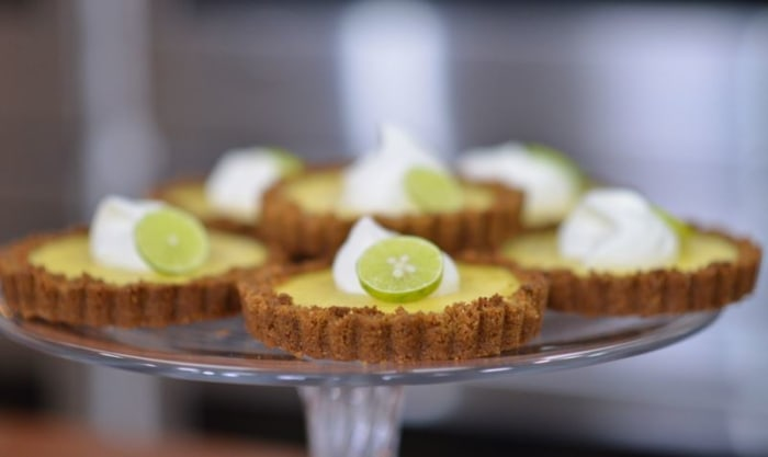 Katie Lee makes a delicious key lime pie.