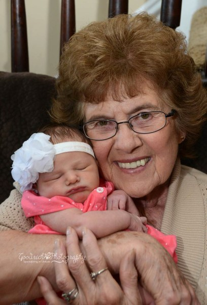 86-year-old woman meets her 86th great-grandchild.