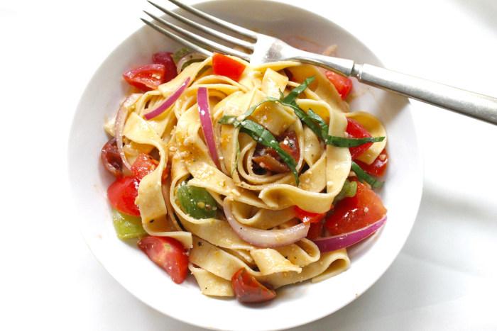 Pasta with tomato salsa