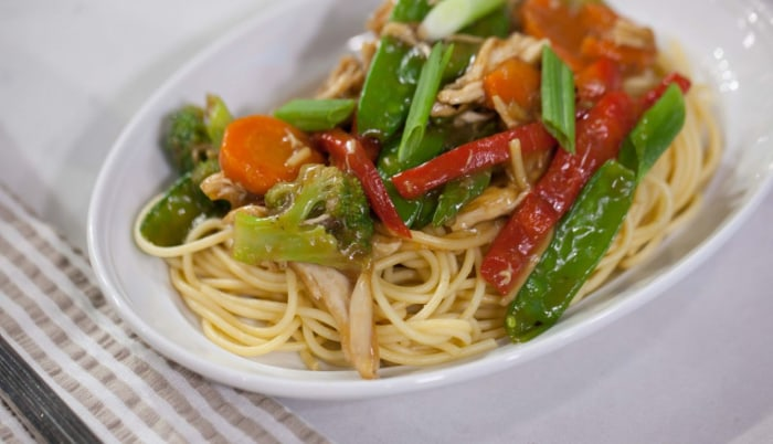 Chicken and vegetable lo mein recipe