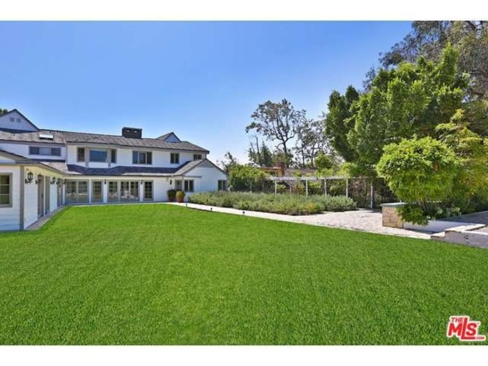 Tom hanks and rita wilson selling two los angeles area for Homes for sale in los angeles area
