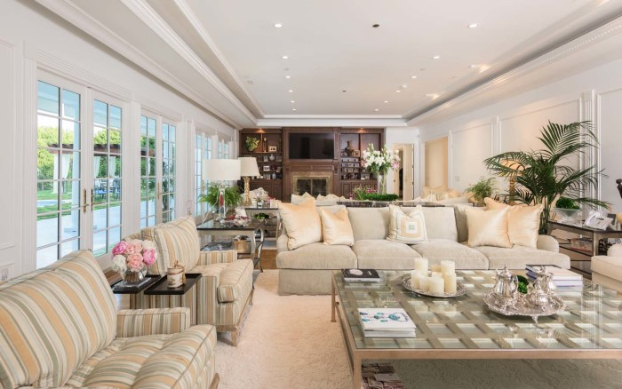 Rooms: Donald Trump's Childhood In Queens, New York Is For Sale