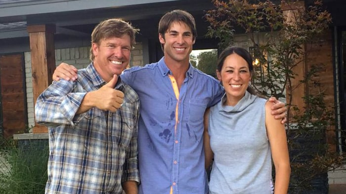 David ridley is the first bachelor to appear on fixer for How much are chip and joanna gaines worth