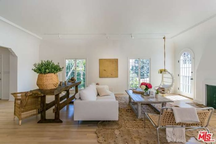 Nate Berkus Living Room Pleasing Nate Berkus And Jeremiah Brent Are Selling Their La Home  Today Design Decoration