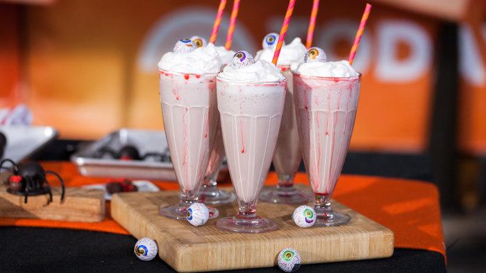 Elise Strachan:6 frighteningly fantastic Halloween dessertsEyeball Milkshakes. TODAY, October 27th 2016.