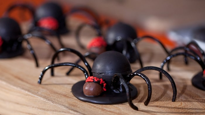 Elise Strachan:6 frighteningly fantastic Halloween dessertsSlime-Filled Spiders. TODAY, October 27th 2016.