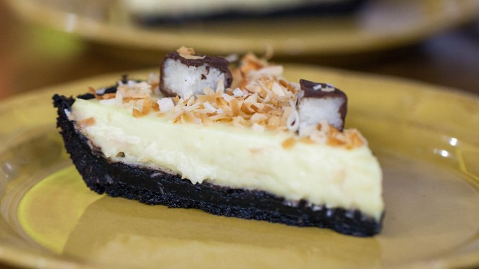 Coconut-Chocolate Cream Pie