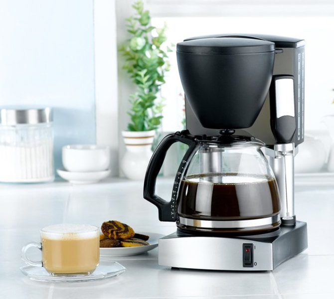Coffee Maker In Jordan : The 3 small things you should clean in your kitchen before Thanksgiving.... : TODAY Top Stories ...