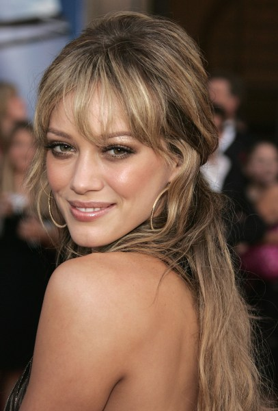 Hilary Duff reveals her beautiful new bangs on Instagram ...