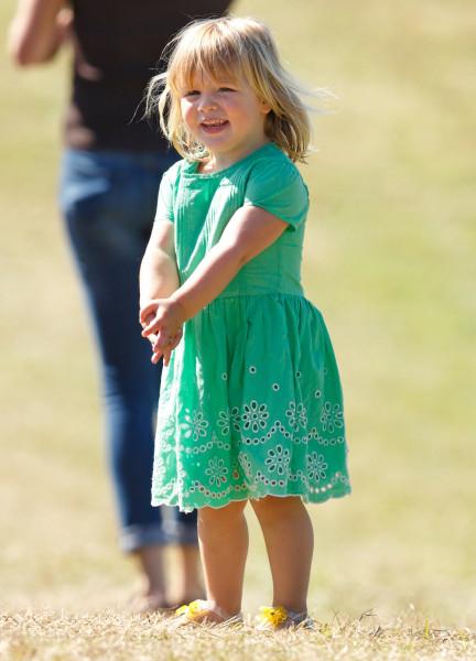 Royal Baby News Queen S Granddaughter Zara Tindall
