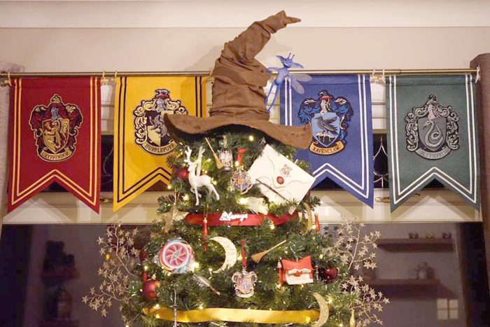 Harry potter themed christmas tree decorations for Decoration harry potter