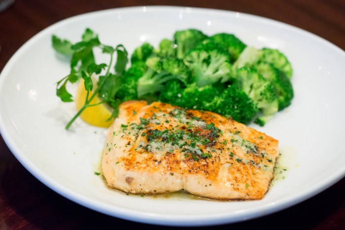 Olive Garden Lighter Italian Fare Herb Grilled Salmon