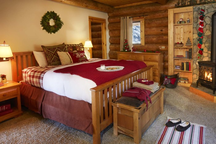 take a tour inside santa 39 s house in the north pole. Black Bedroom Furniture Sets. Home Design Ideas