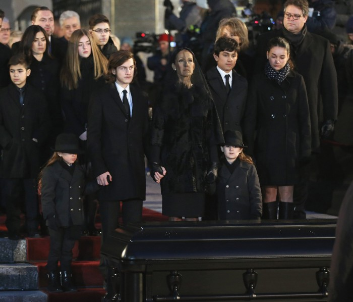 http://media4.s-nbcnews.com/j/newscms/2016_49/1180718/celine-dion-funeral-inline-today-161209_302d97bbae1c8c5cbfcd4128fb7d6104.today-inline-large.jpg