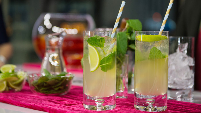 Holiday Mojitos (Merry, Merry Mojitos)