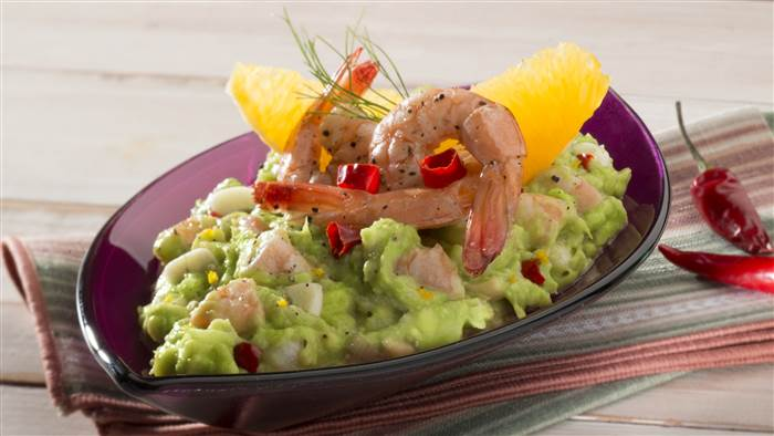 Garlic shrimp, fennel and orange guacamole