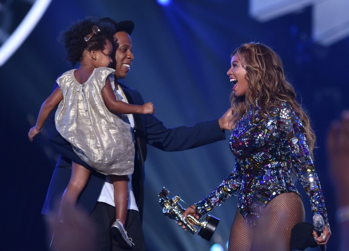 Beyoncé is pregnant, expecting twins