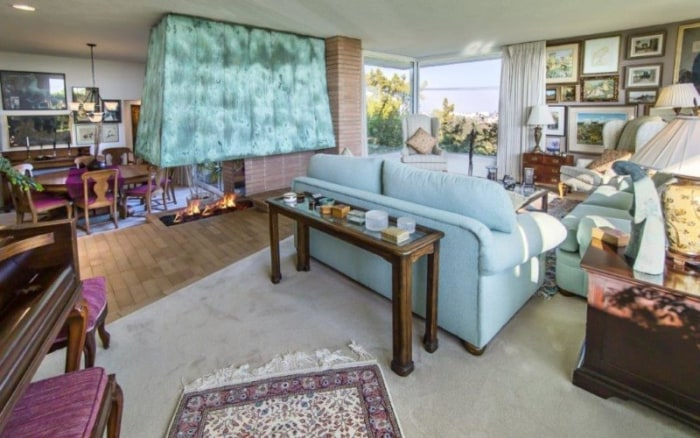 39 this is us 39 star mandy moore 39 s new home is beautiful for Living room today