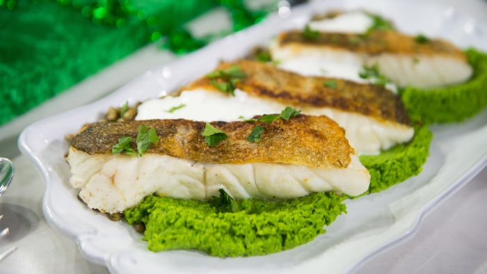 Pan-Fried Cod with Minty Pea Pur?e