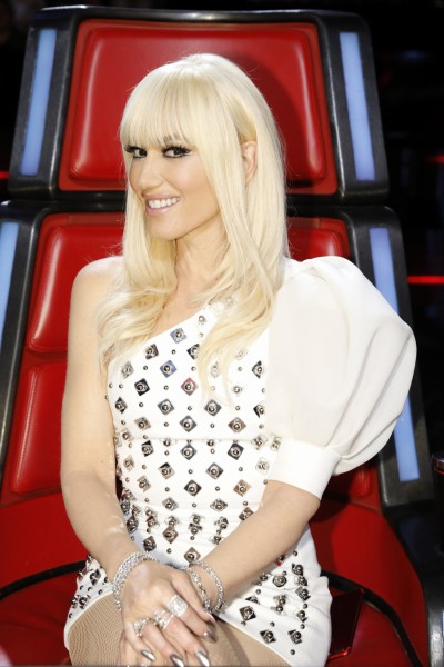 Gwen Stefani S Newest Hair Style Bangs Today Com