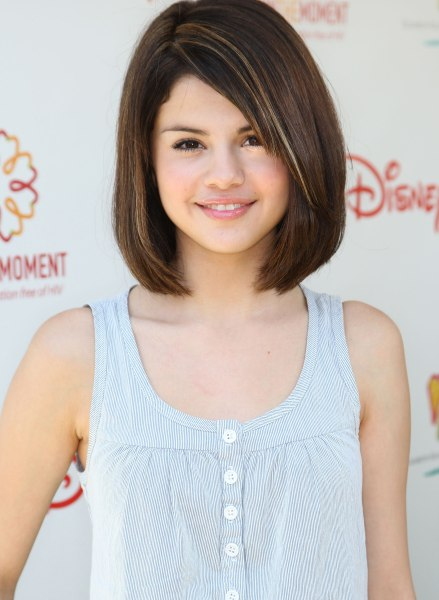 Selena gomez with short hair and side bangs short hair fashions selena gomez short hairstyles source frederick urmus Images