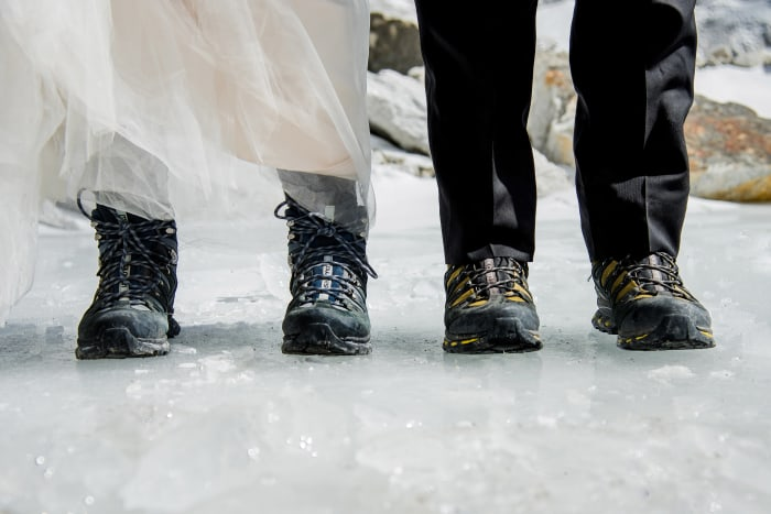 California couple ties the knot on Mt. Everest