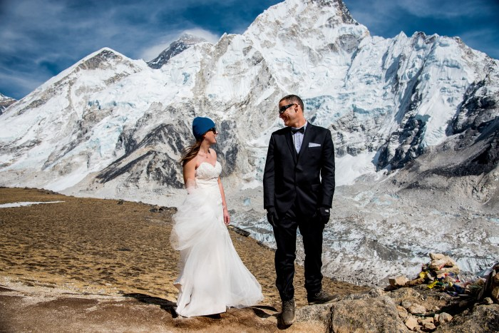 This couple got married on Mount Everest — see the stunning photos