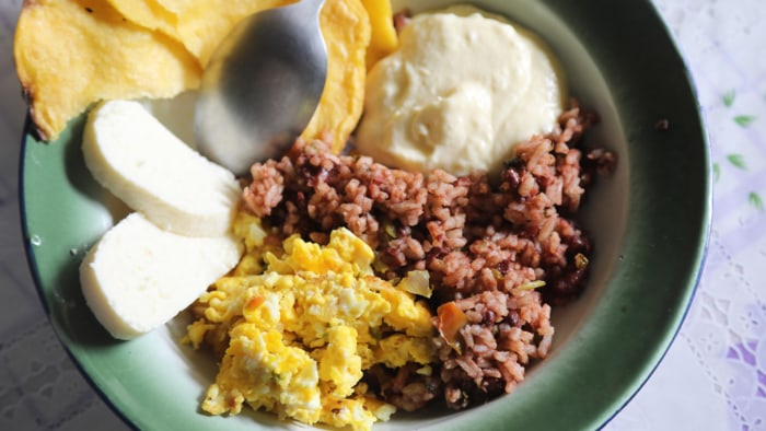Costa Rican Black Beans and Rice (Gallo Pinto)