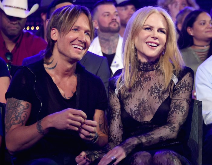 Keith urban offers a touching tribute to nicole kidman at cmts getty images m4hsunfo