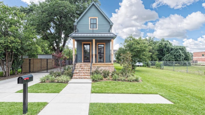 Fixer Upper Shotgun House Is For Sale Today Com