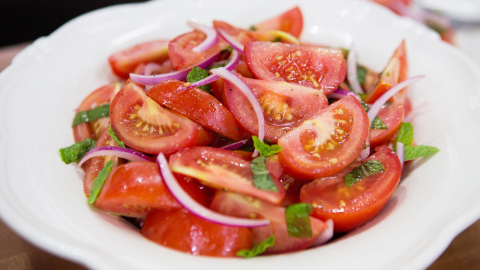 Tomato and Mint Salad