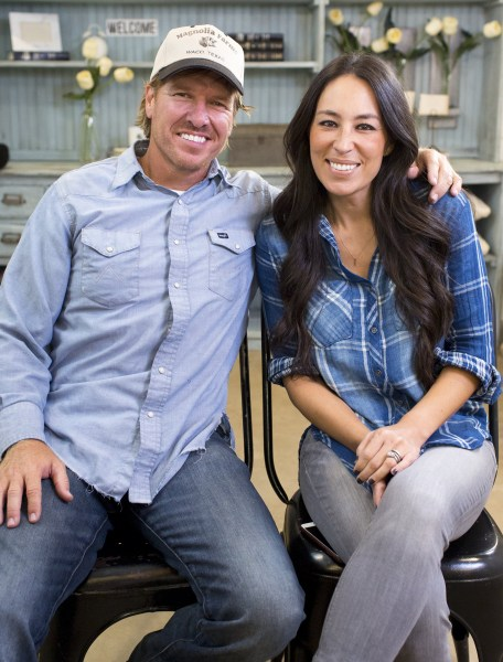 chip joanna gaines wikipedia. Black Bedroom Furniture Sets. Home Design Ideas