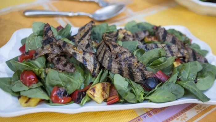 CAMILA ALVES STEAK: Camila Alves' Brazilian Steak Salad