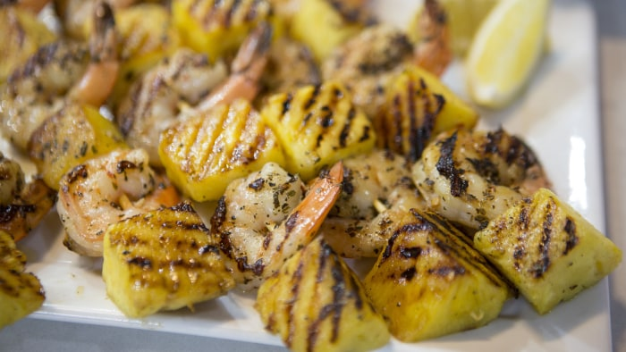 CAMILA ALVES SHRIMP: Camila Alves' Grilled Garlic Lemon Shimp with Pineapple