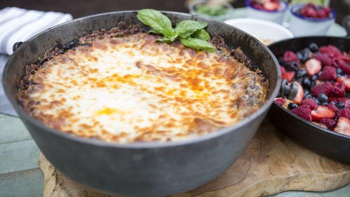 ELIZABETH HEISKELL LASAGNA: Elizabeth Heiskell's Lasagna