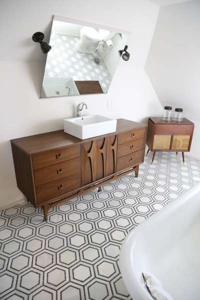 Mid Century Modern Bathroom Looks Amazing After A Makeover