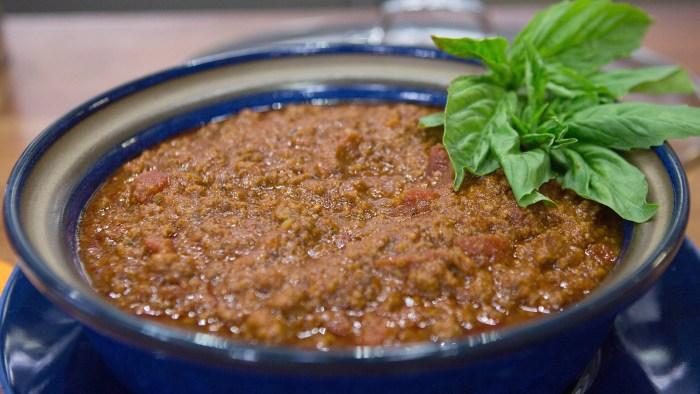 Ryan Scott's Mama Pat's Meat Sauce