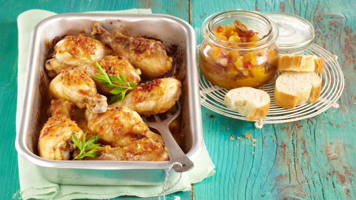 Chicken drumsticks with apricot and ginger chutney