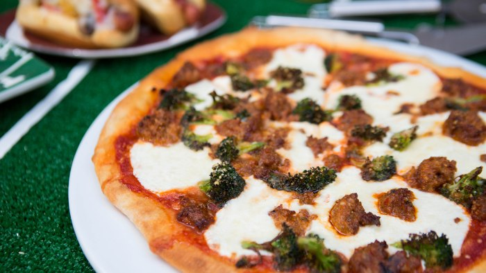 Giada De Laurentiis' Sausage and Broccoli Pizza