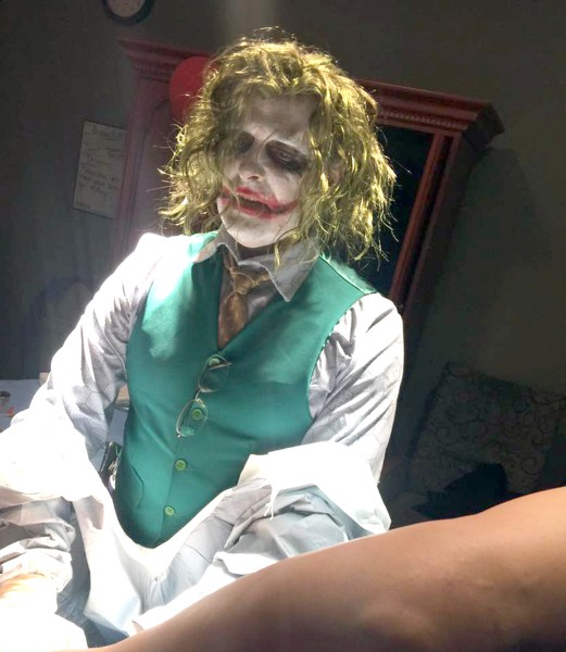 Paris Tn March For Babies Home: Doctor Dressed As Joker Delivers Baby On Halloween (and