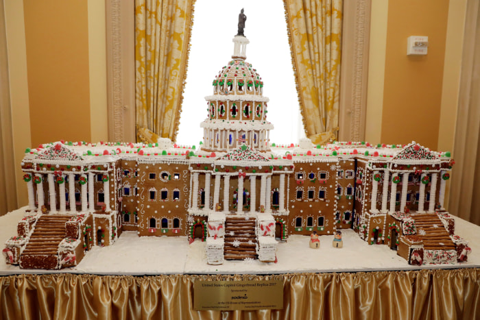 7 Best Gingerbread Houses White House Plaza Hotel And